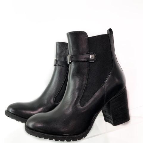 Ботинки черные на каблуке [Armani Jeans]
