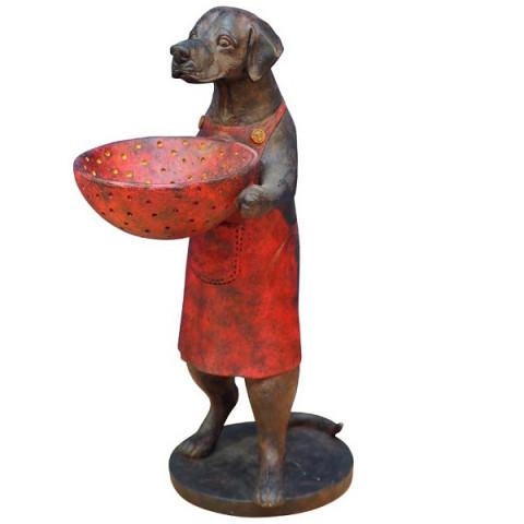 Собака с чашей