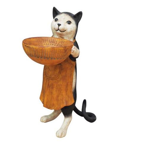 Кот с чашей