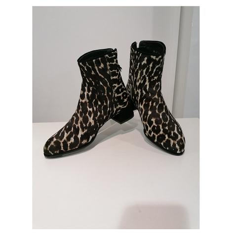Ботинки леопард [Stuart Weitzman]